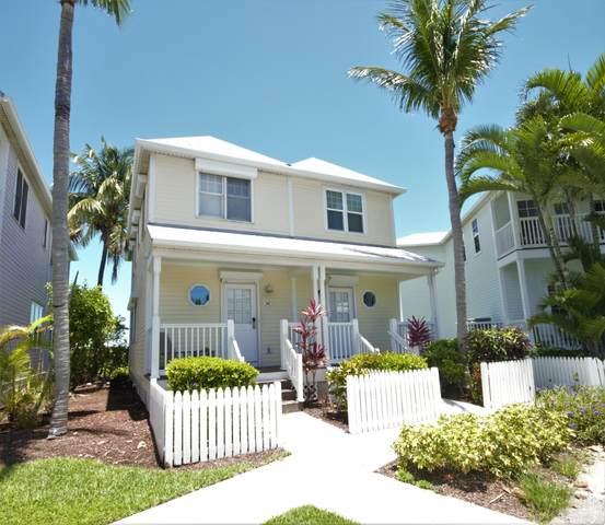 2002 Marina Villa Drive Hawks Cay Resor, Duck Key, FL 33050 (MLS #590906) :: Born to Sell the Keys