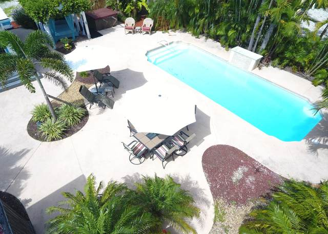 220 Coral Avenue, Ramrod Key, FL 33042 (MLS #591687) :: Coastal Collection Real Estate Inc.