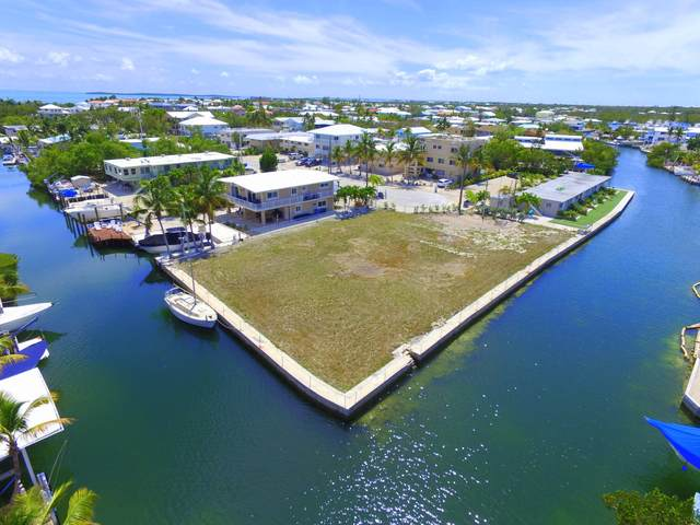 301 Buttonwood Circle, Key Largo, FL 33037 (MLS #591688) :: Coastal Collection Real Estate Inc.