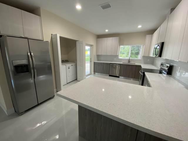 117 Adobe Casa Ct Drive, Key Largo, FL 33070 (MLS #593489) :: Jimmy Lane Home Team