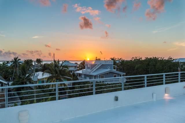 20 Center Lane, Key Largo, FL 33037 (MLS #596441) :: KeyIsle Group