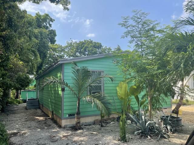 25 Oakwood Avenue, Key Largo, FL 33037 (MLS #597062) :: Coastal Collection Real Estate Inc.