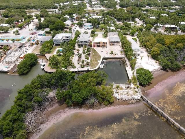 16 Seaside Avenue, Key Largo, FL 33037 (MLS #597346) :: Brenda Donnelly Group