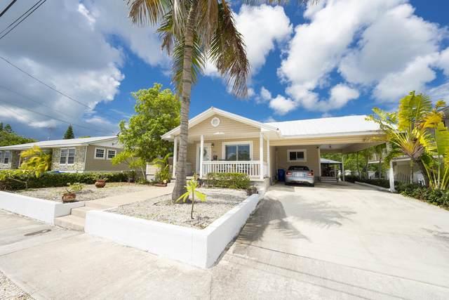2807 Venetian Drive, Key West, FL 33040 (MLS #597899) :: KeyIsle Group