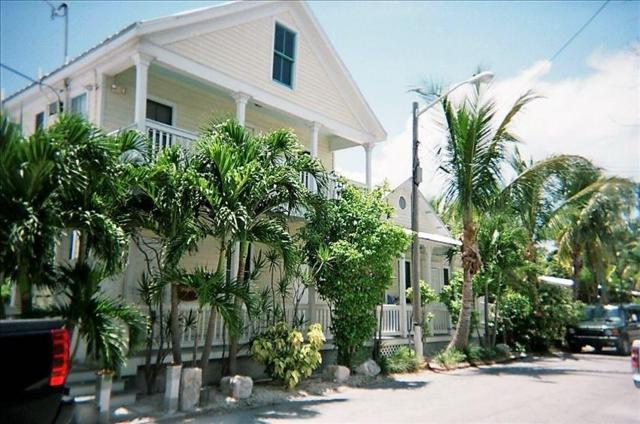 1016 Howe Street #5, Key West, FL 33040 (MLS #579737) :: Key West Luxury Real Estate Inc