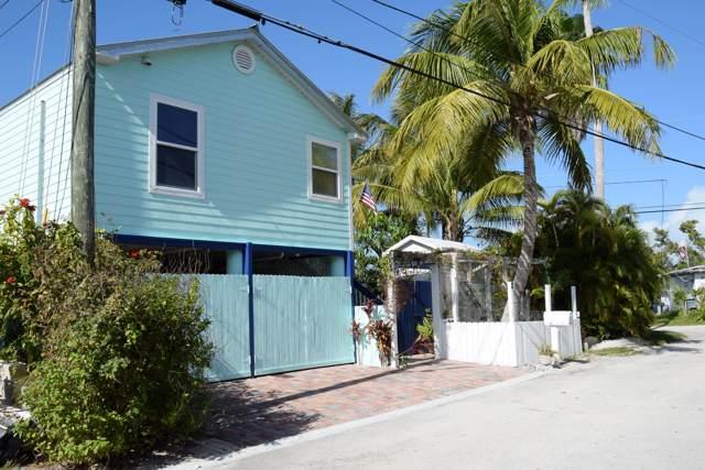 2 Coral Drive, Saddlebunch, FL 33040 (MLS #588608) :: KeyIsle Realty