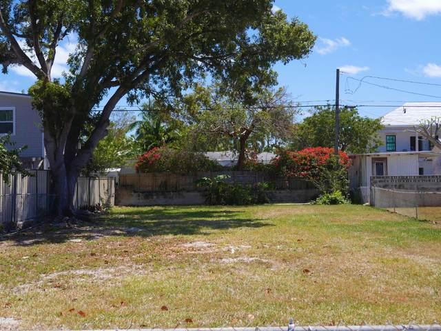 3504 Duck Avenue, Key West, FL 33040 (MLS #595751) :: KeyIsle Group