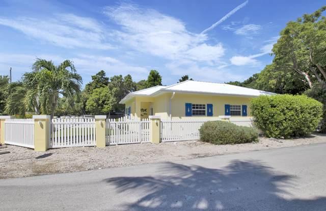215 Jerome Avenue, Upper Matecumbe Key Islamorada, FL 33036 (MLS #592895) :: The Mullins Team