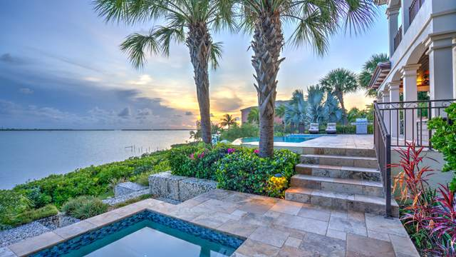 26 Cannon Royal Drive, Shark Key, FL 33040 (MLS #590977) :: Jimmy Lane Home Team