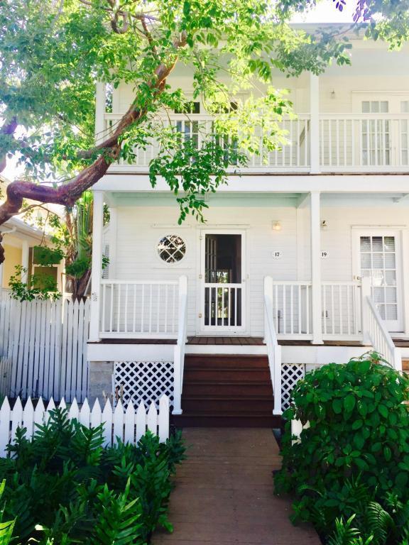 17 Kestral Way, Key West, FL 33040 (MLS #577921) :: Brenda Donnelly Group