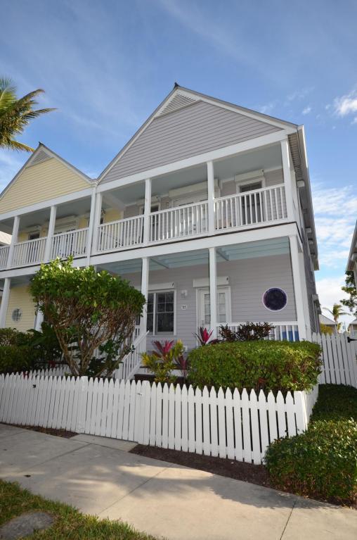 7071 Hawks Cay Boulevard Hawks Cay, Duck Key, FL 33050 (MLS #578270) :: KeyIsle Realty