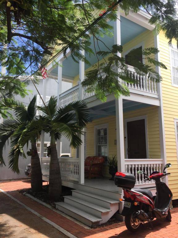1120 Curry Lane, Key West, FL 33040 (MLS #581540) :: Conch Realty