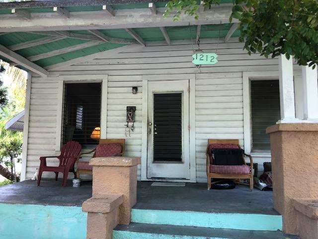 1212 Pearl Street, Key West, FL 33040 (MLS #582357) :: Key West Luxury Real Estate Inc