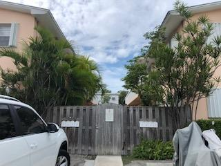 1624 Bertha Street #4, Key West, FL 33040 (MLS #582618) :: Key West Luxury Real Estate Inc