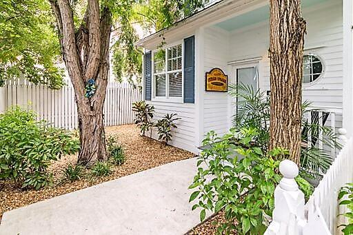 216 Fleming Street, Key West, FL 33040 (MLS #584539) :: Doug Mayberry Real Estate