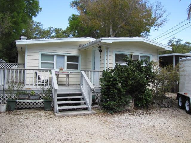 235 Antigua Road, Key Largo, FL 33070 (MLS #586564) :: Coastal Collection Real Estate Inc.