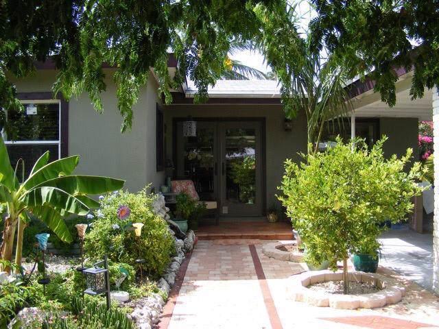 3702 Donald Avenue, Key West, FL 33040 (MLS #589437) :: Key West Luxury Real Estate Inc