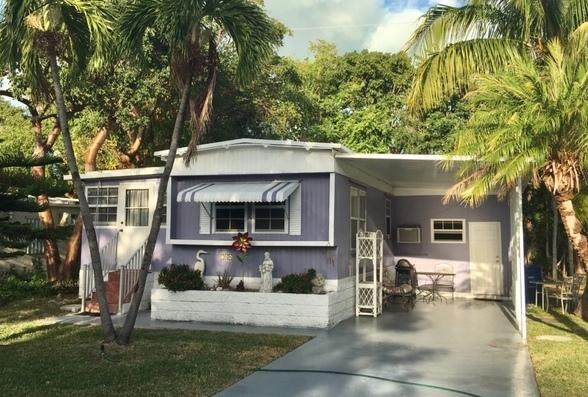 704 N Emerald Drive, Key Largo, FL 33037 (MLS #589995) :: Key West Luxury Real Estate Inc