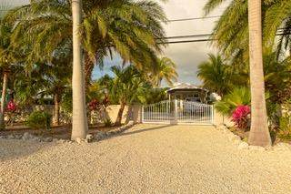 544 W Shore Drive, Summerland Key, FL 33042 (MLS #590341) :: Coastal Collection Real Estate Inc.