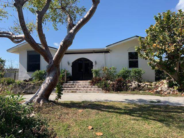 660 Ixora Drive, Big Pine Key, FL 33043 (MLS #590482) :: Key West Luxury Real Estate Inc