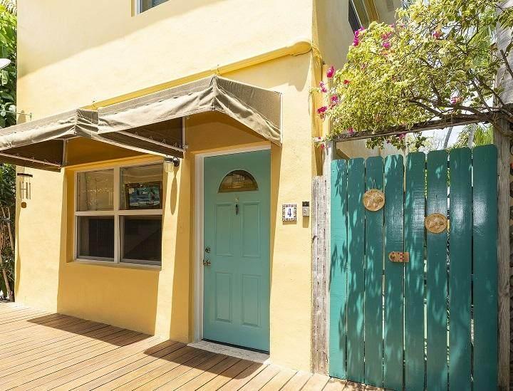 1011 Varela Street - Photo 1