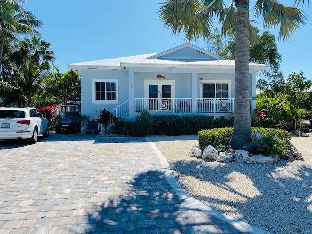 241 W Seaview Drive, Duck Key, FL 33050 (MLS #594631) :: The Mullins Team