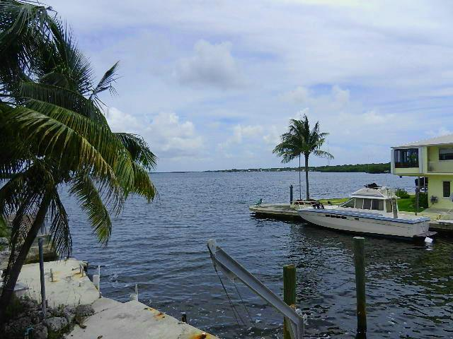 50 Jean La Fitte Drive, Key Largo, FL 33037 (MLS #561968) :: KeyIsle Realty