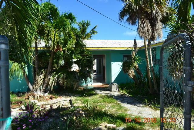 1170 W 75Th Street Ocean, Marathon, FL 33050 (MLS #582239) :: Coastal Collection Real Estate Inc.