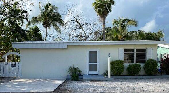 25 Buttonwood Drive, Key Largo, FL 33037 (MLS #594722) :: Brenda Donnelly Group