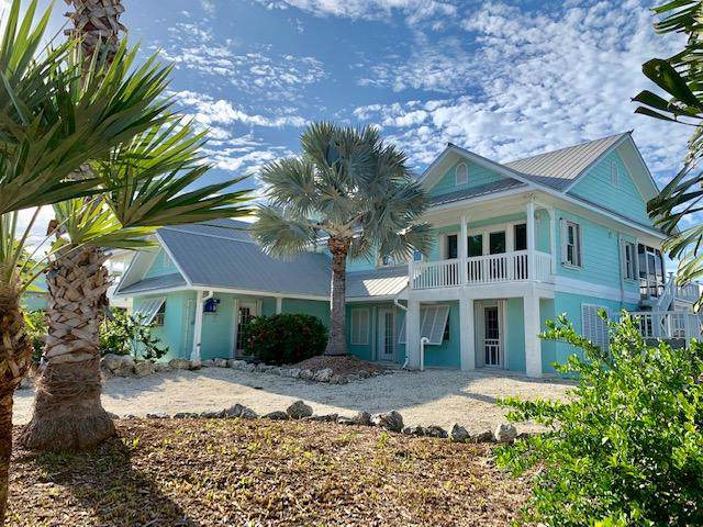 586 E Caribbean Drive, Summerland Key, FL 33042 (MLS #588063) :: Coastal Collection Real Estate Inc.