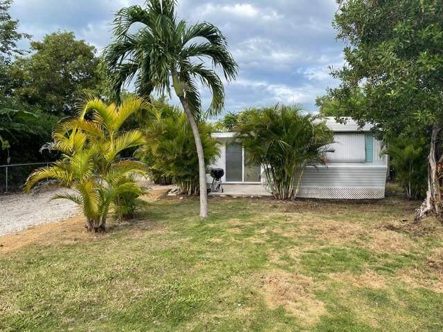 156 W County Road, Big Pine Key, FL 33043 (MLS #598106) :: Keys Island Team