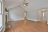 320 Country Squire - Photo 11