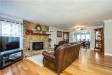 800 Henry Drive - Photo 11