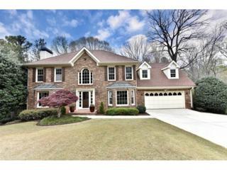 521 Clear Lake Lane, Suwanee, GA 30024 (MLS #5825757) :: North Atlanta Home Team