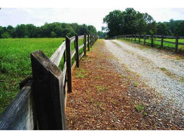 1661 Kenai Road, Kennesaw, GA 30152 (MLS #5368738) :: North Atlanta Home Team