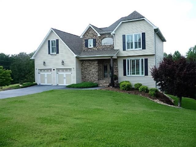 15 Hyalite Road E, Dahlonega, GA 30533 (MLS #5852127) :: North Atlanta Home Team