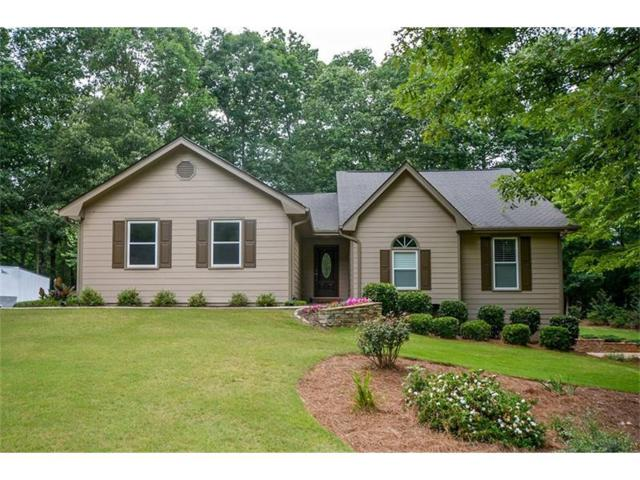 880 Winnbrook Drive, Dacula, GA 30019 (MLS #5863165) :: North Atlanta Home Team