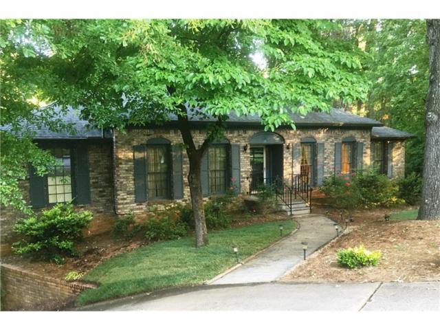 4557 Amberly Court S, Dunwoody, GA 30360 (MLS #5882448) :: Buy Sell Live Atlanta