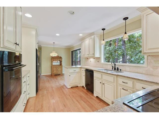 315 Spring Lake Terrace, Roswell, GA 30076 (MLS #5897136) :: The Hinsons - Mike Hinson & Harriet Hinson
