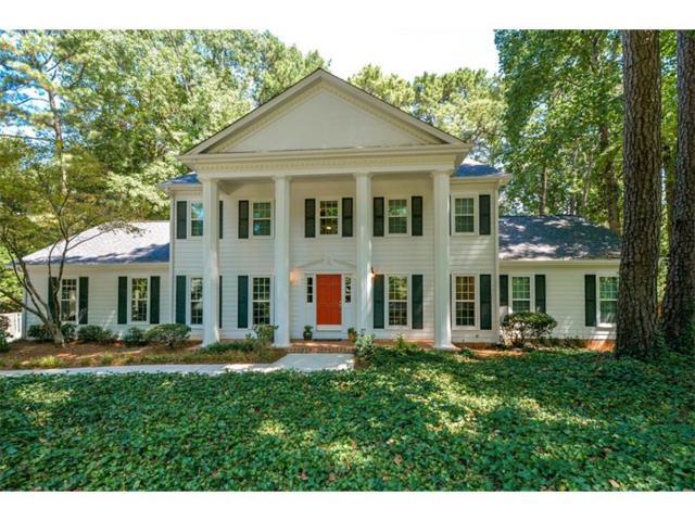 2390 Roxburgh Drive, Roswell, GA 30076 (MLS #5900376) :: North Atlanta Home Team