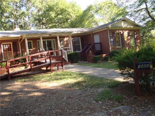 1688 Lawrenceville Highway, Lawrenceville, GA 30044 (MLS #5914920) :: North Atlanta Home Team