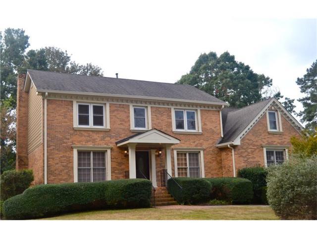 2149 Dunwoody Glen, Dunwoody, GA 30338 (MLS #5922773) :: North Atlanta Home Team