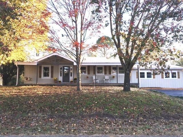 424 Kelly Drive, Canton, GA 30115 (MLS #5935711) :: Path & Post Real Estate
