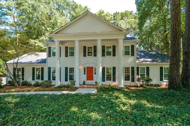 2390 Roxburgh Drive, Roswell, GA 30076 (MLS #5950301) :: North Atlanta Home Team