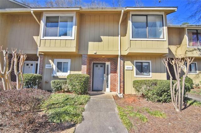 2004 Stratford Place SE, Marietta, GA 30067 (MLS #5961576) :: North Atlanta Home Team