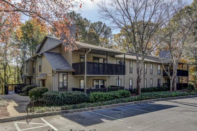 1301 Cumberland Court SE, Smyrna, GA 30080 (MLS #5970642) :: Carr Real Estate Experts