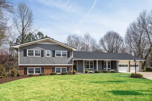 2454 Fox Hollow Court, Dunwoody, GA 30360 (MLS #5981655) :: Carr Real Estate Experts