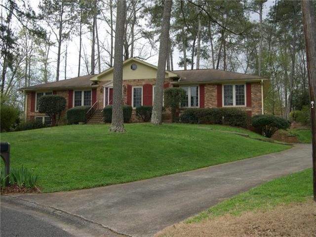 2493 Camelot Circle, Marietta, GA 30062 (MLS #5982861) :: Carr Real Estate Experts