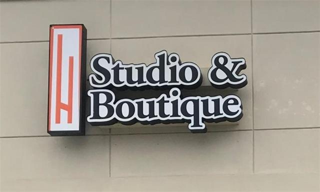 145 Satellite Blvd, Suwanee, GA 30024 (MLS #5984257) :: RE/MAX Paramount Properties