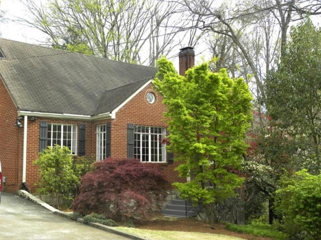 401 Claire Drive NE, Atlanta, GA 30307 (MLS #5987161) :: Carr Real Estate Experts